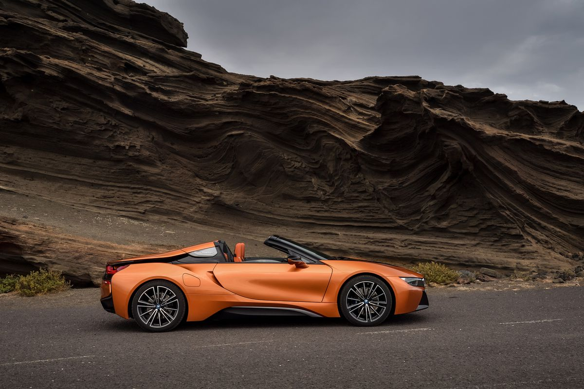 BMW Says The New Coupe And Roadster Are Basically Same Dimensions As Each Other With Former Standing Just Two Millimeters Taller Than Latter