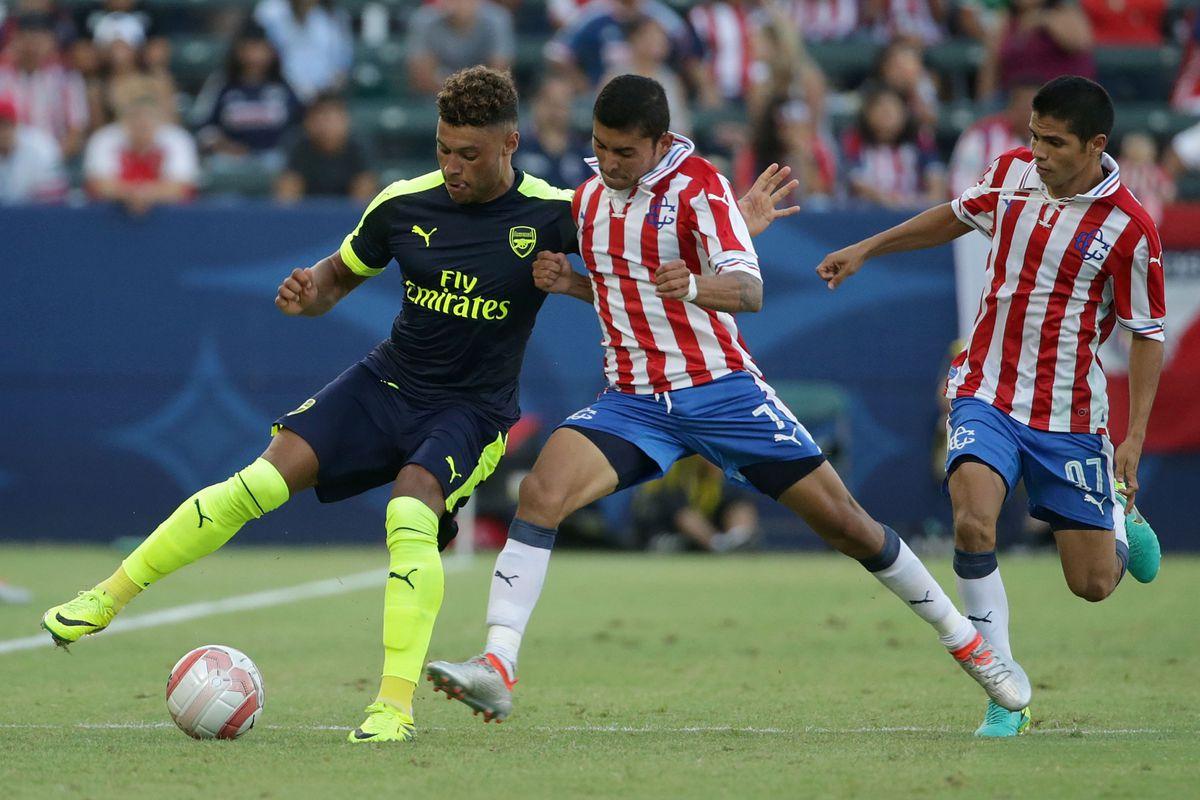 Arsenal v CD Guadalajara