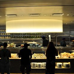 The seafood kitchen at Bacchanal Buffet.