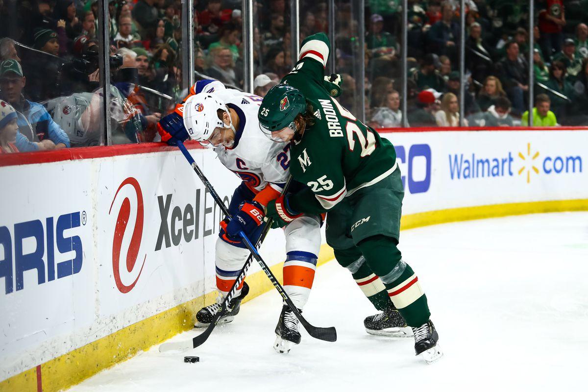 NHL: New York Islanders at Minnesota Wild