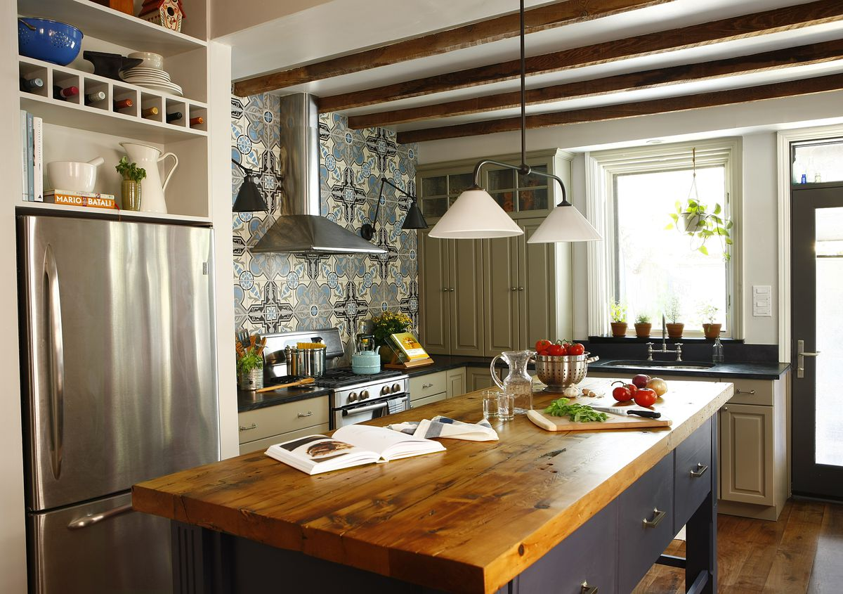 Rustic and eclectic style wood countertop in kitchen.