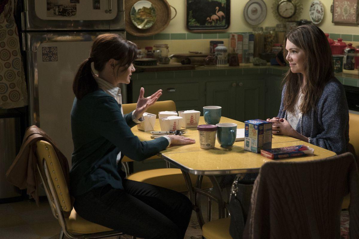 Alexis Bleidel and Lauren Graham, Gilmore Girls