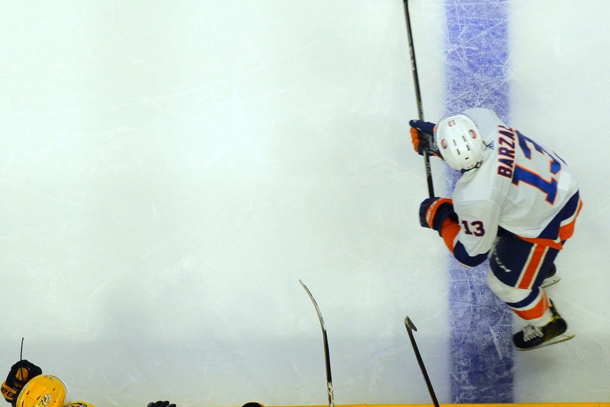 Matt Barzal with a Neutral Zone Carry-In - Something he is VERY good at.  Christopher Hanewinckel-USA TODAY Sports