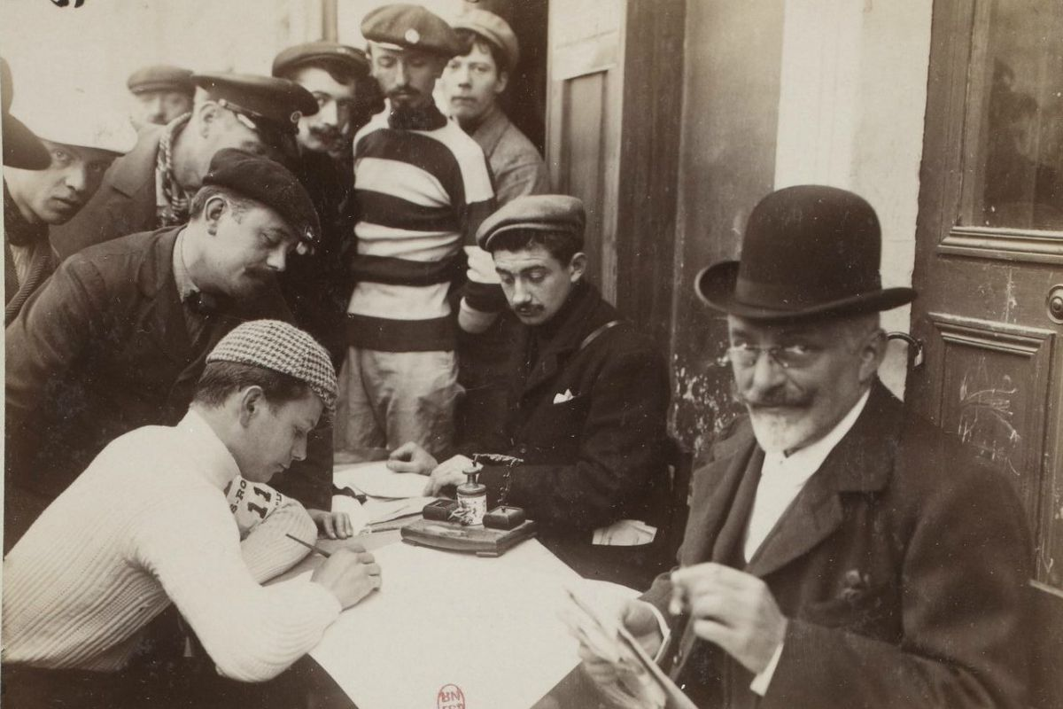 Albert Champion signing on for the start of Paris-Roubaix, 1899