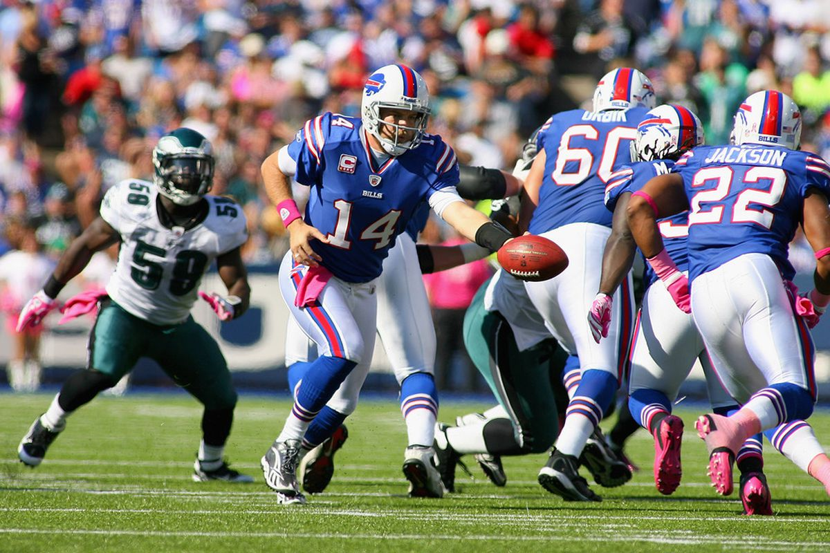 ORCHARD PARK, NY - OCTOBER 09: Ryan Fitzpatrick #14 of the Buffalo Bills hands off to Fred Jackson #22 at Ralph Wilson Stadium on October 9, 2011 in Orchard Park, New York.  (Photo by Rick Stewart/Getty Images)