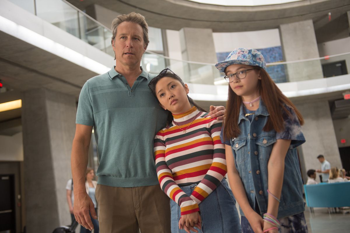 lara jean, kitty, and their father in To All the Boys I've Loved Before