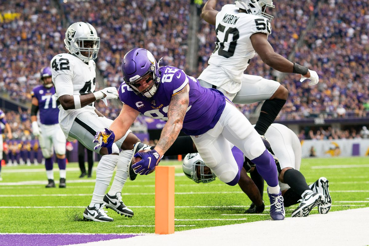 Minnesota Vikings tight end Kyle Rudolph reaches for the end zone but was ruled out of bounds in the first quarter against Oakland Raiders at U.S. Bank Stadium.