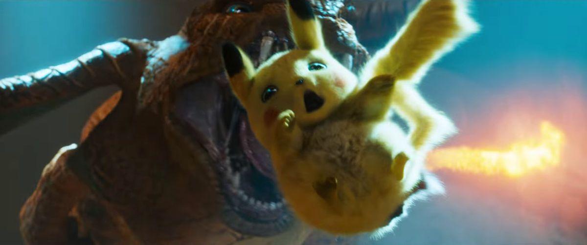 Detective Pikachu - Pikachu falling into Charizard's gaping maw