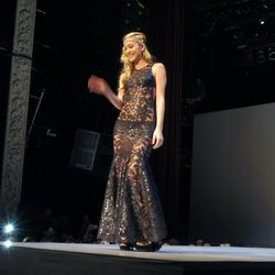 Ermalinda Manos' black lace number was a clear crowd-pleaser.