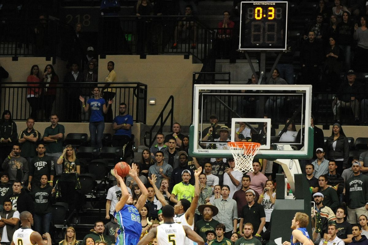 No catch and shoot allowed at 0.3. USF wins.