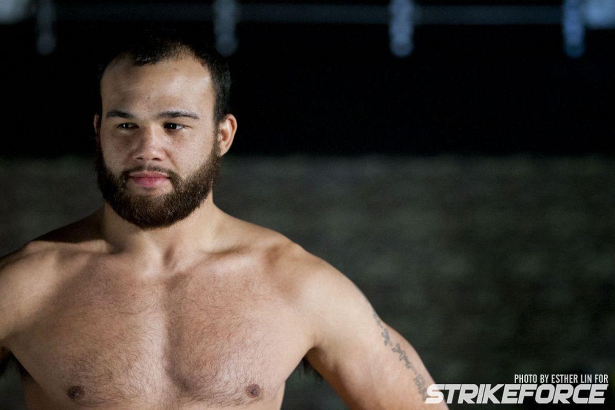 Beard = Violence for Robbie Lawler. <em>Photo by Esther Lin/Strikeforce</em>
