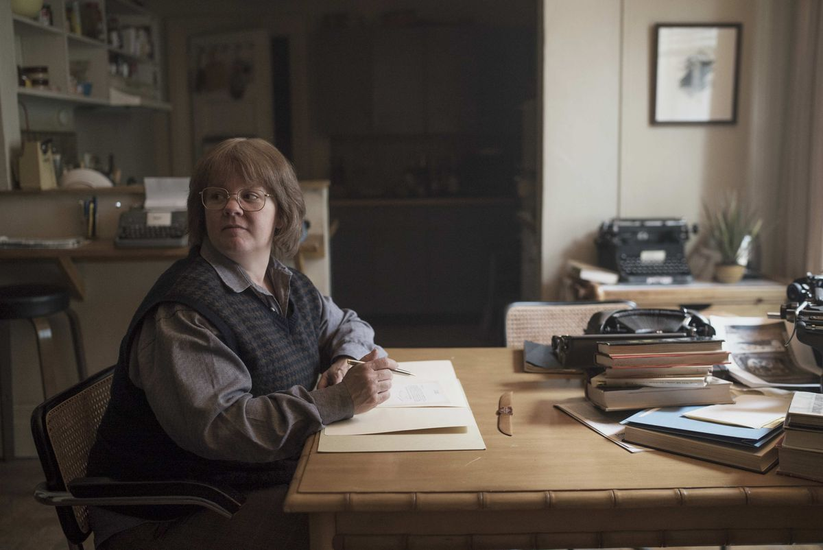 Melissa McCarthy playing Lee Israel in Can You Ever Forgive Me?