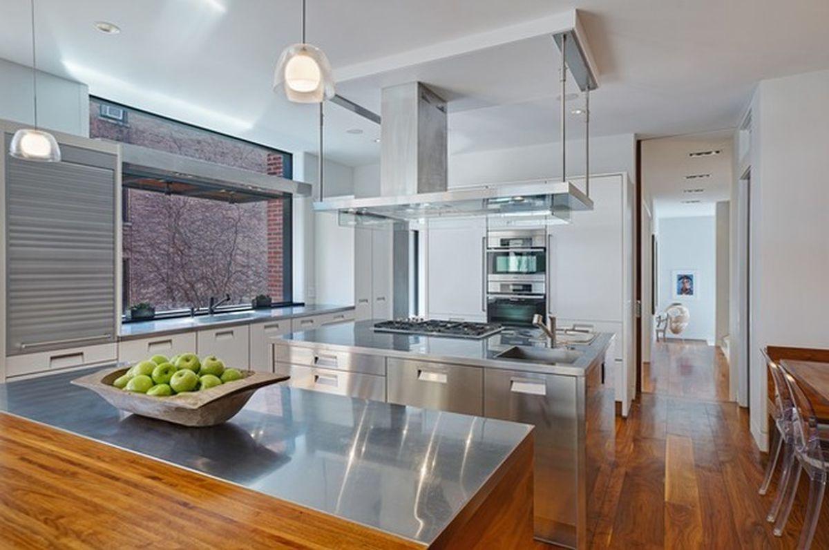 Handsome and high-tech 1879 rehab in Lincoln Park knocks $300k off ...