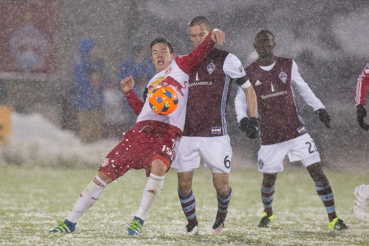 Alex Muyl protecting the ball on the Rapids.
