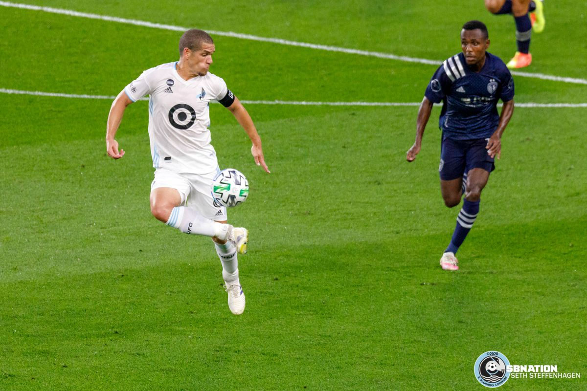 August 21, 2020 - Saint Paul, Minnesota, United States - Minnesota United midfielder Osvaldo Alonso (6) traps the ball during the match against Sporting KC at Allianz Field.