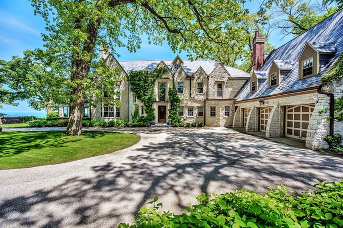 Lakefront mansion in wilmette knocks 2 4m off 2015 asking for Chicago mansion for sale