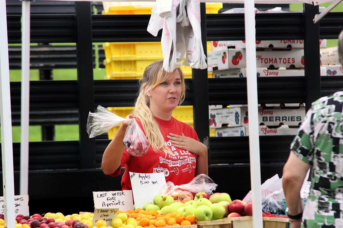 The Hinsdale Farmers market.   File photo by Jeff Krage/For Sun-Times