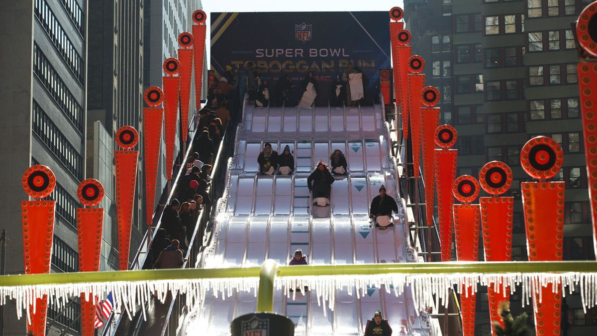 Gallery Photo: Super Bowl XLVIII Boulevard in Times Square