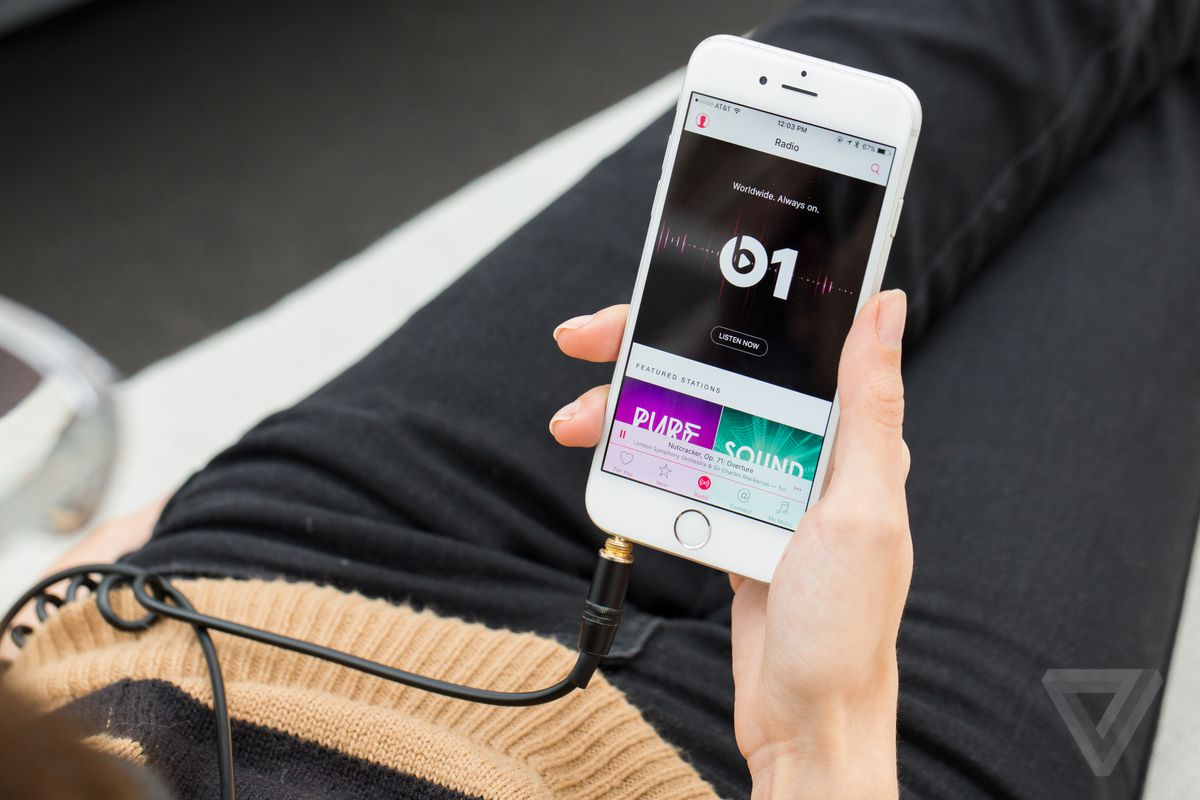Apple wants record labels to take a smaller cut from music streaming