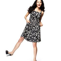 "<a href=""http://www.macys.com/campaign/social?campaign_id=298&channel_id=1&cm_mmc=VanityUrl-_-fashionstar-_-n-_-n"">Sleeveless Pleated Empire Waist Dress by Lisa Vian Hunter, $99</a>"