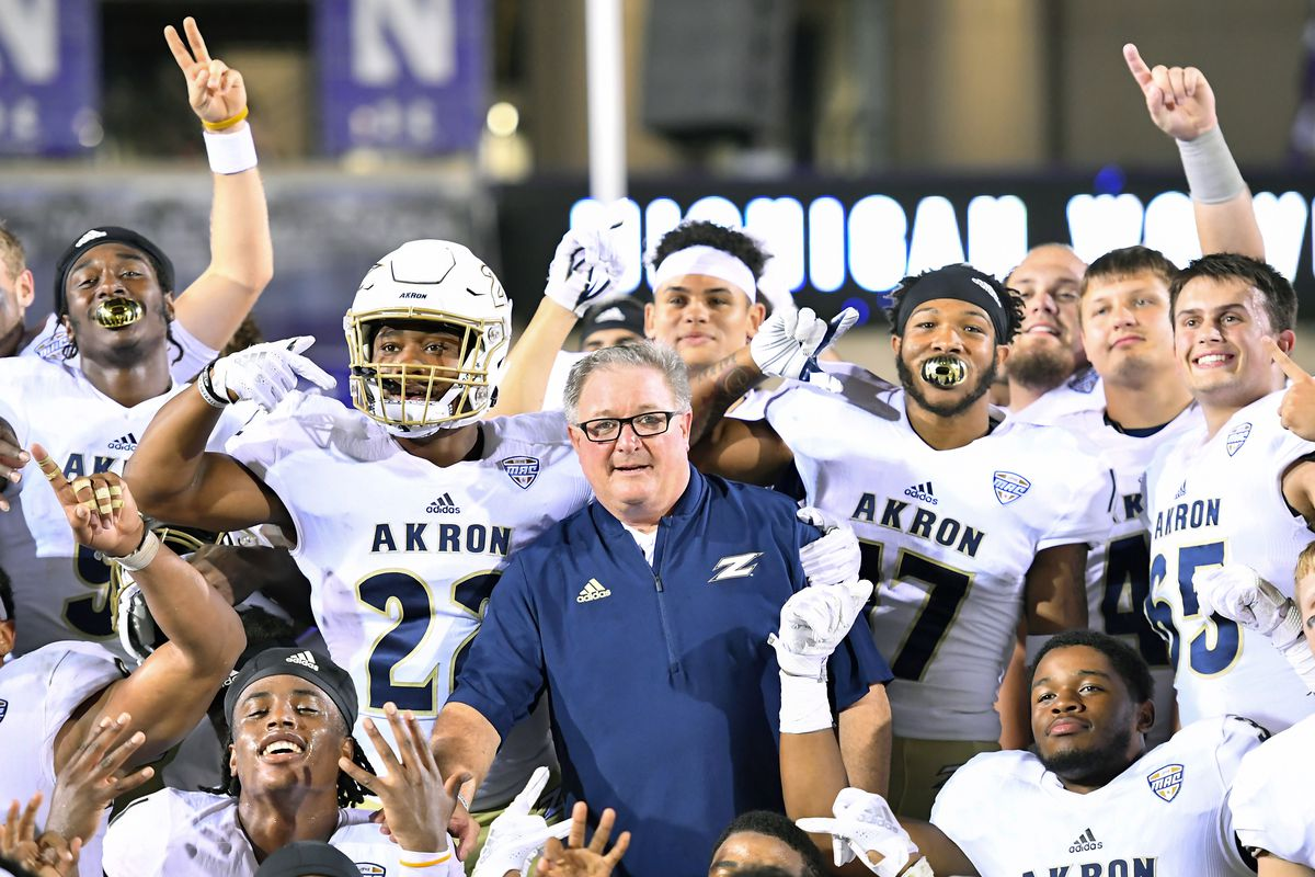 3bf6be505080 2018 Game III  Iowa State vs. Akron Football Preview - Wide Right ...