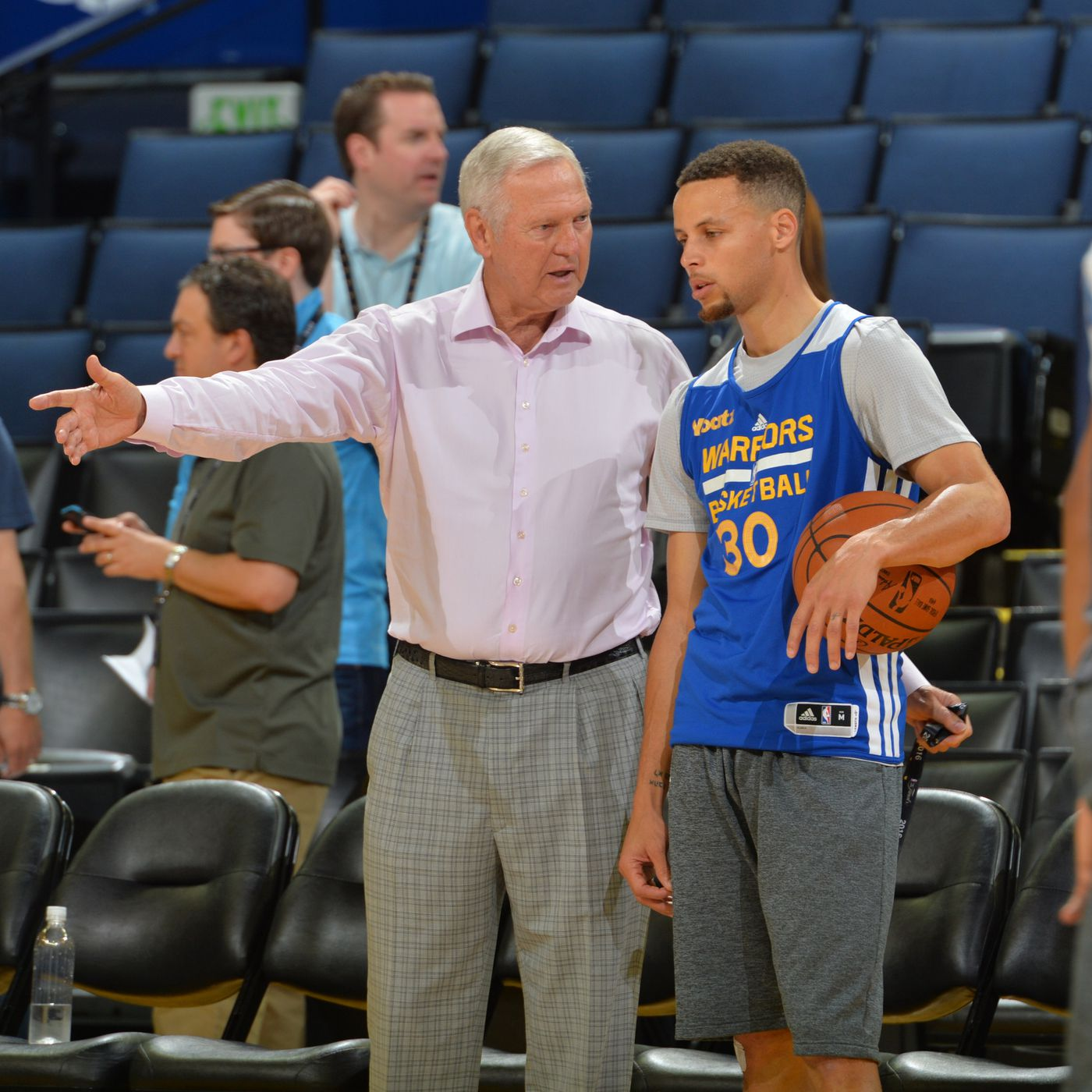 Dubs In Depth Who Is The Closest Comparison To Steph Curry Golden State Of Mind