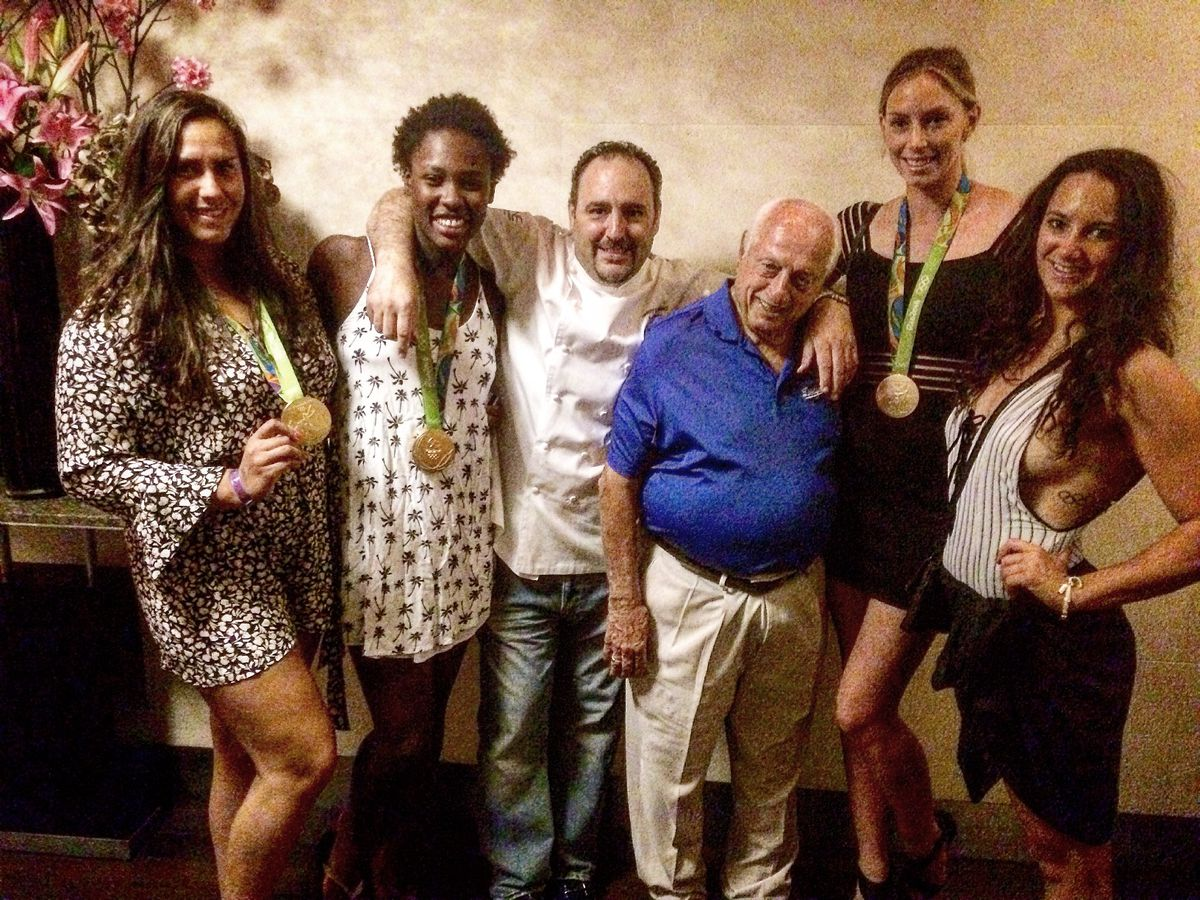 Tommy Lasorda with members of the U.S. women's water polo team