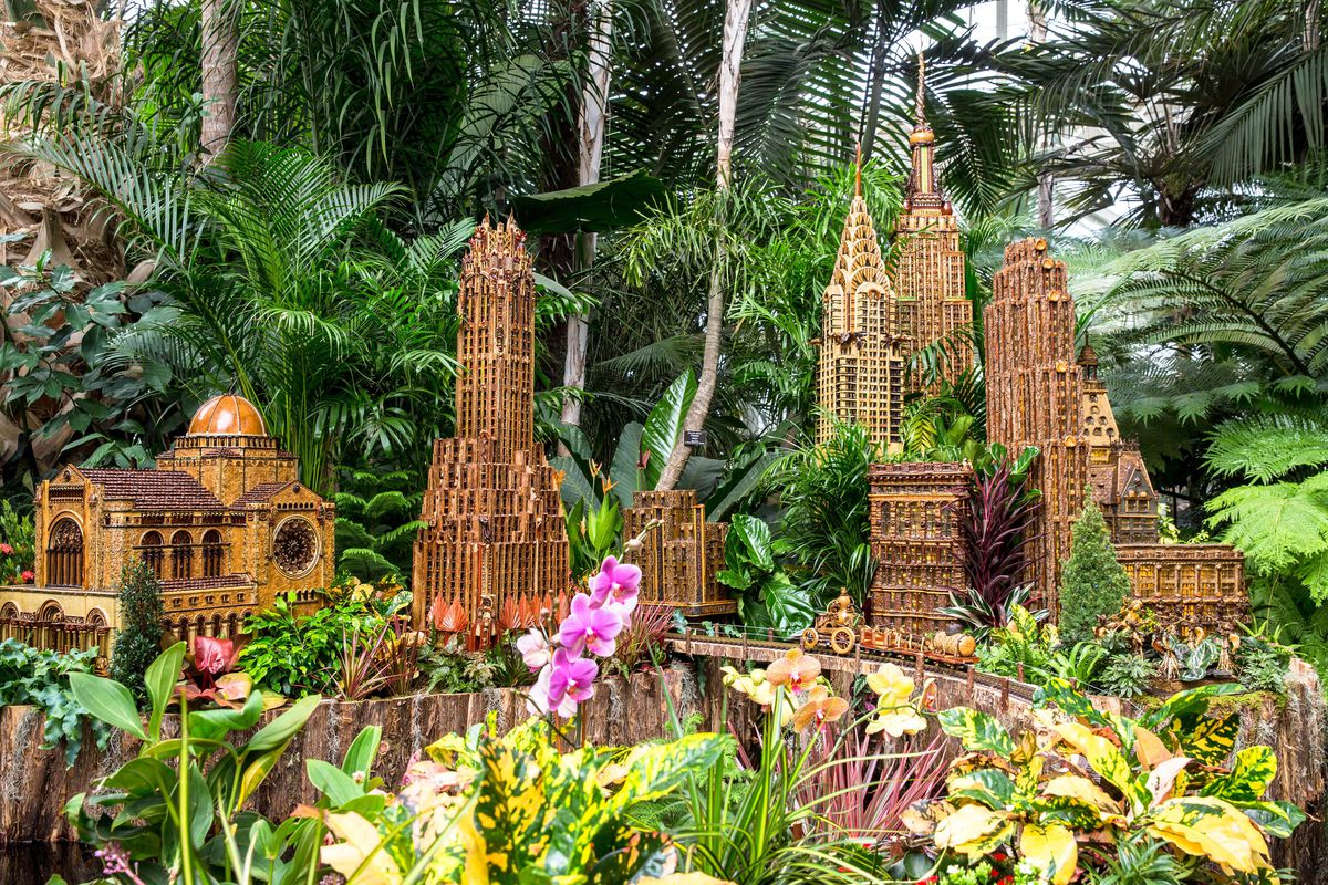 See a miniature empire state building at this year 39 s ny botanical garden train show curbed ny for Brooklyn botanical garden tickets