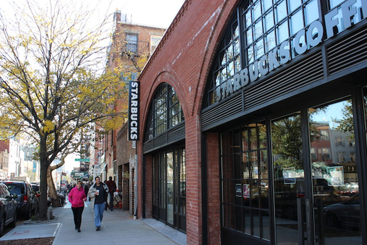 """Photo: <a href=""""http://www.dnainfo.com/new-york/20141103/williamsburg/second-williamsburg-starbucks-aims-be-coolest-youve-ever-seen#"""">DNAinfo</a>"""
