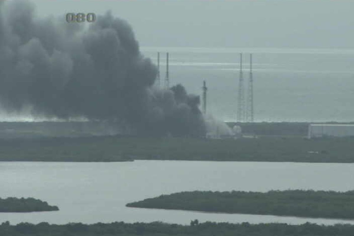 SpaceX's Falcon 9 explodes on Florida launch pad during ...