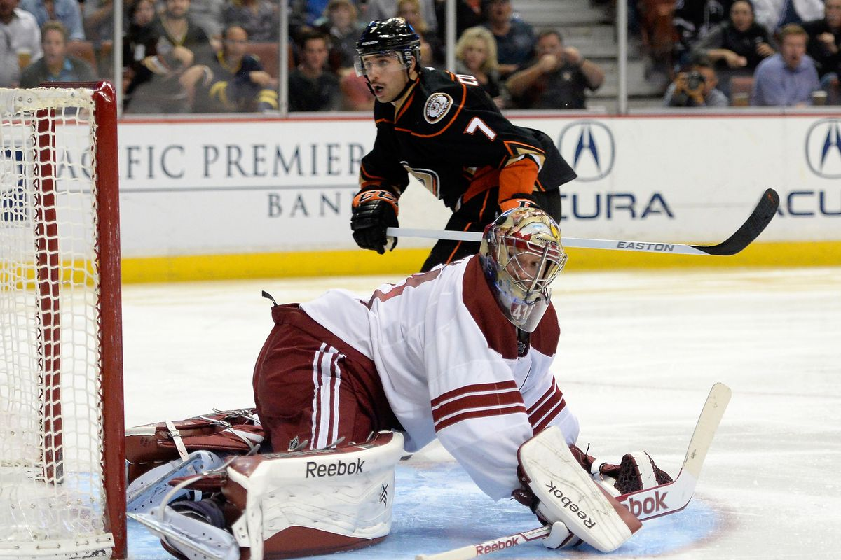 Andre Cogliano gets a chance against Mike Smith last season at Honda Center.