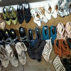"Yet more shoes at Thakoon via <a href=""http://twitter.com/#!/jimshi809/status/5036896430333952"" rel=""nofollow"">@jimshi809</a>/Twitter"