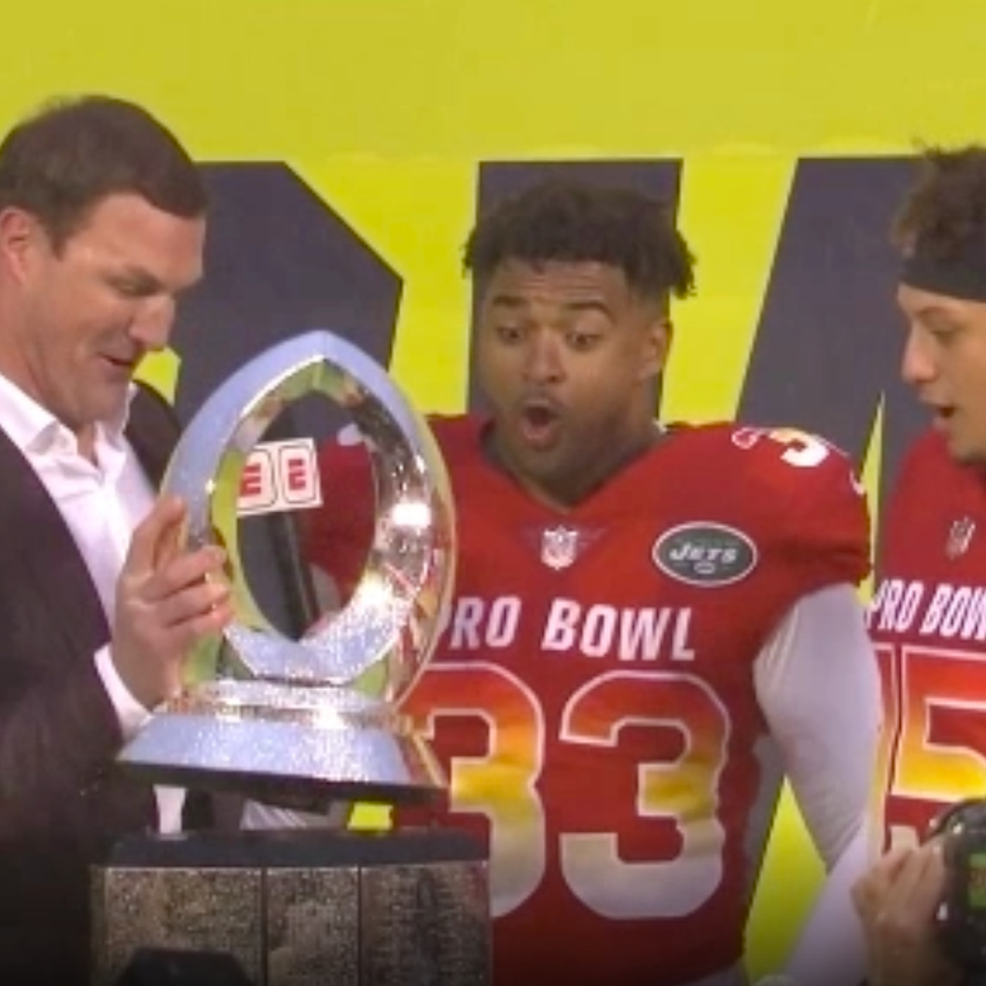 186ec725219 Jason Witten broke the Pro Bowl trophy in half, a fitting end to his awful  year at ESPN