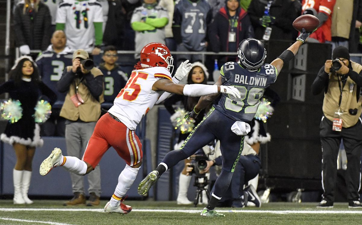 Seahawks beat Chiefs 38-31