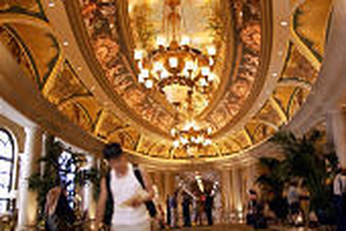 Visitors to the new Venetian Resort Hotel and Casino in Las Vegas can check into the hotel without ever passing through the casino.