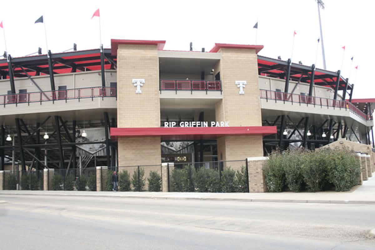 """via <a href=""""http://texastechtoday.com/news/wp-content/gallery/baseball-pr/mg_5066web.jpg"""">texastechtoday.com</a>"""