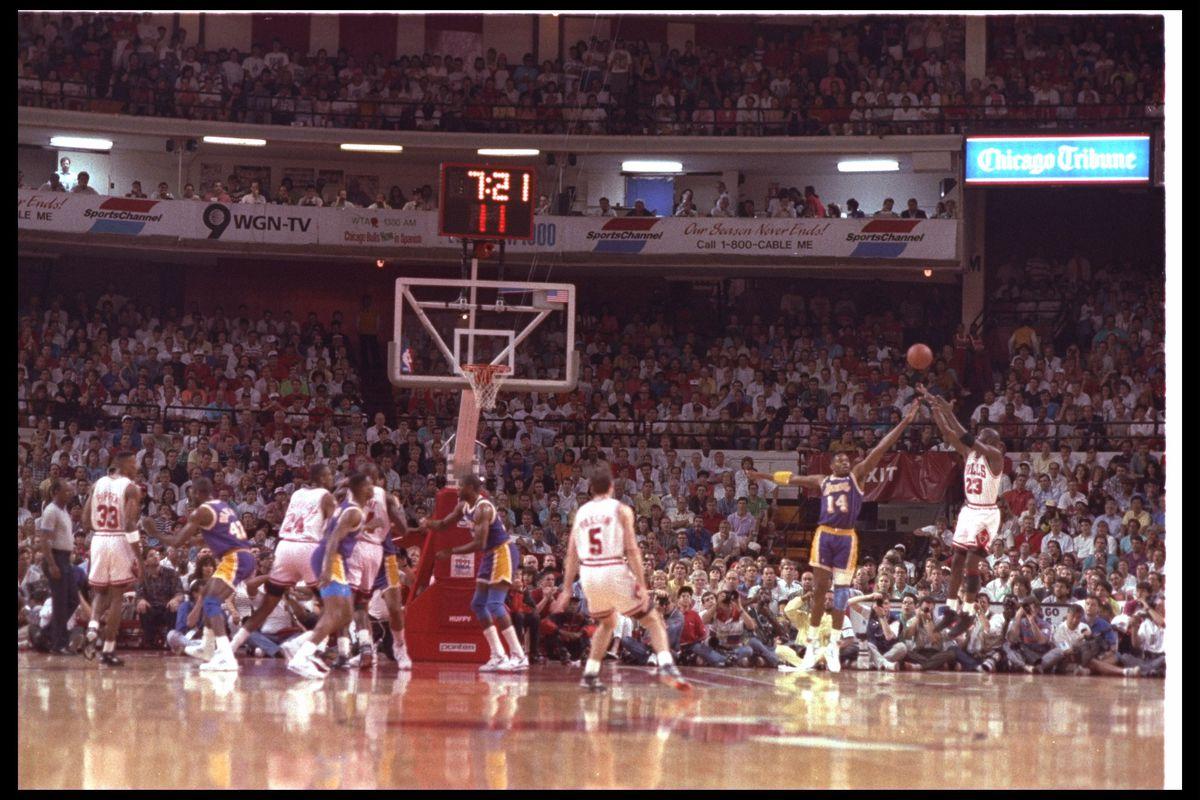 Lakers V Bulls
