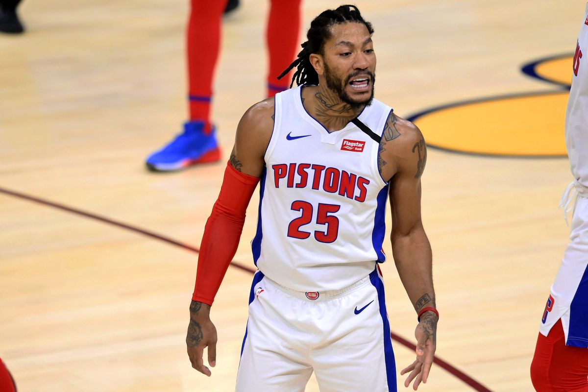 Detroit Pistons guard Derrick Rose reacts in the fourth quarter against the Cleveland Cavaliers at Rocket Mortgage FieldHouse.
