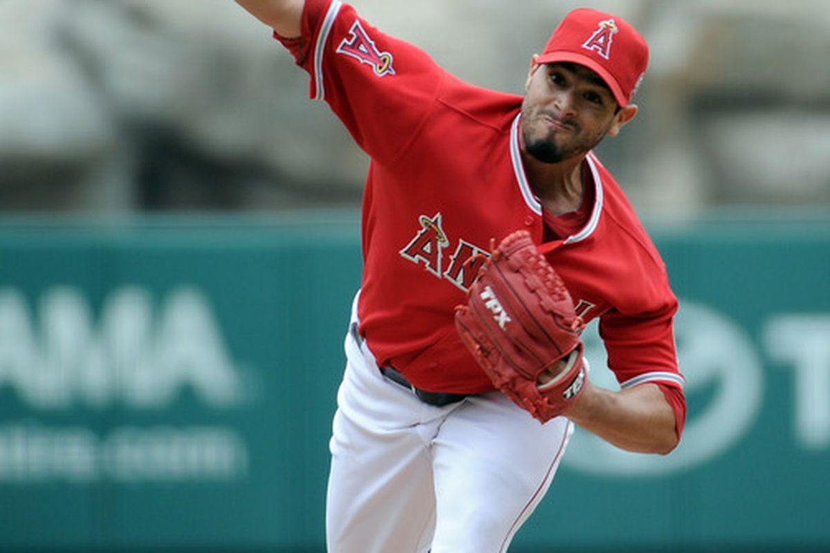 ANAHEIM, CA - SEPTEMBER 04:  Joel Pineiro #35 of the Los Angeles Angels of Anaheim pitches against the Minnesota Twins during the first inning at Angel Stadium of Anaheim on September 4, 2011 in Anaheim, California.  (Photo by Harry How/Getty Images)
