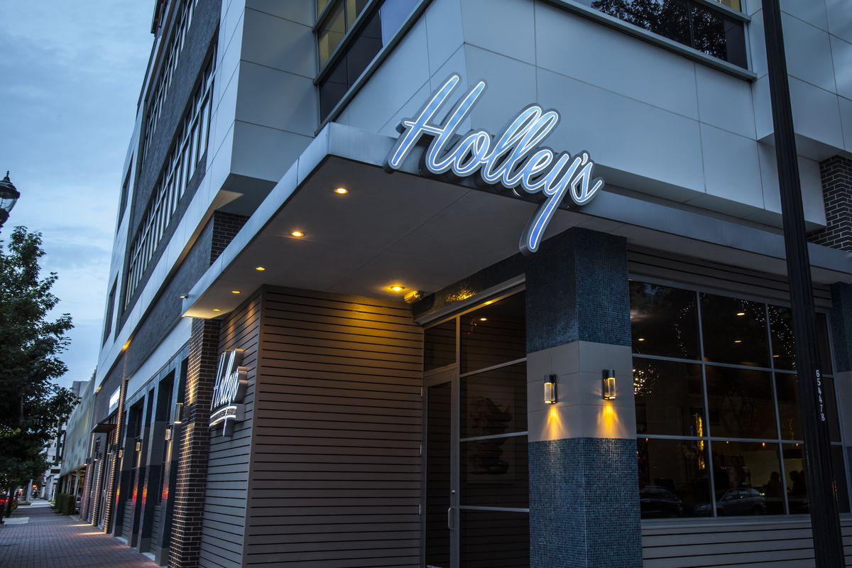 Holley's Seafood Restaurant & Oyster Bar
