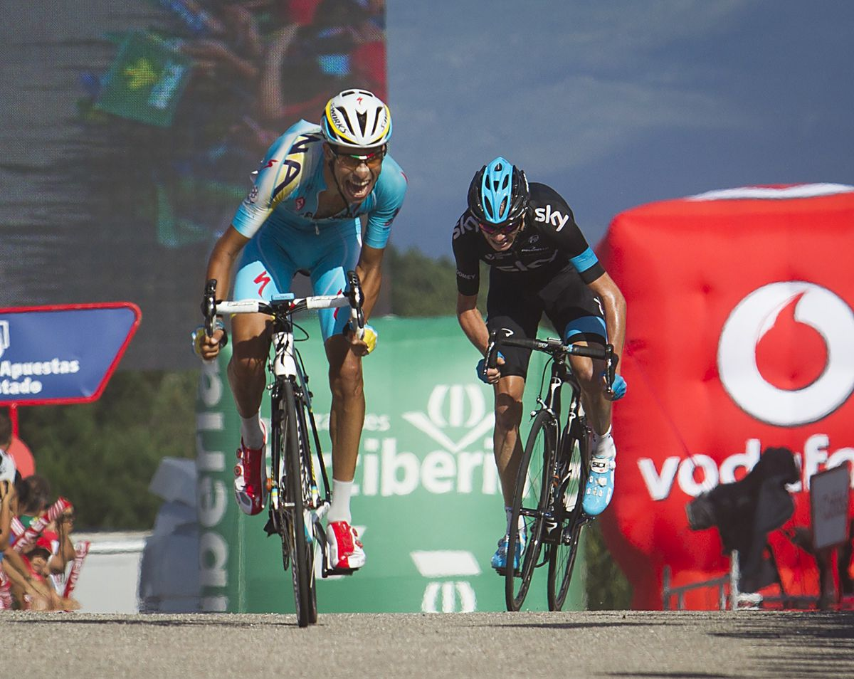 Aru and Froome sprint it out