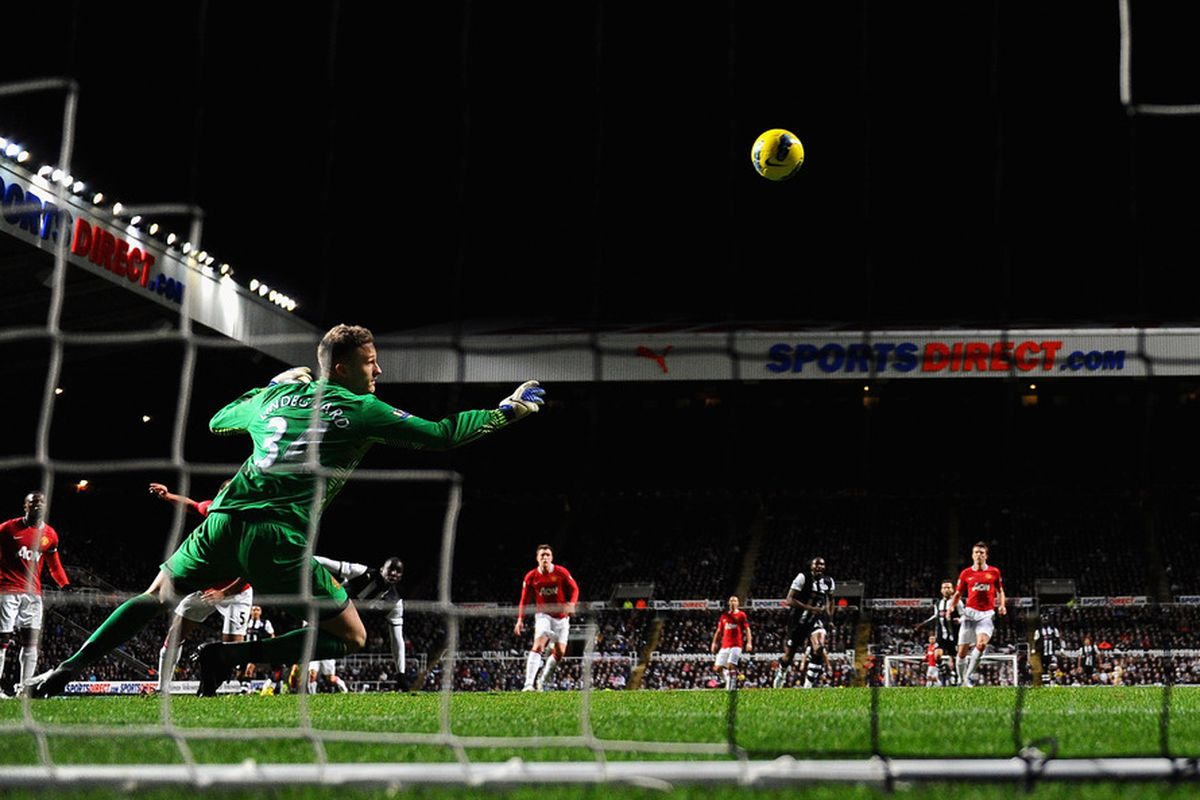 I'm still stunned at the class of this strike.  So are Anders Lindegaard and Rio Ferdinand.