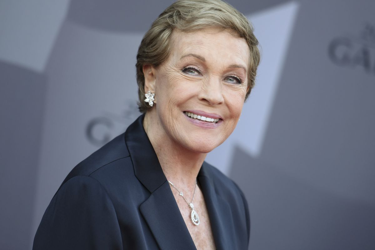 Actress Julie Andrews arrives at the Los Angeles Philharmonic 2015/2016 season opening gala in Los Angeles.