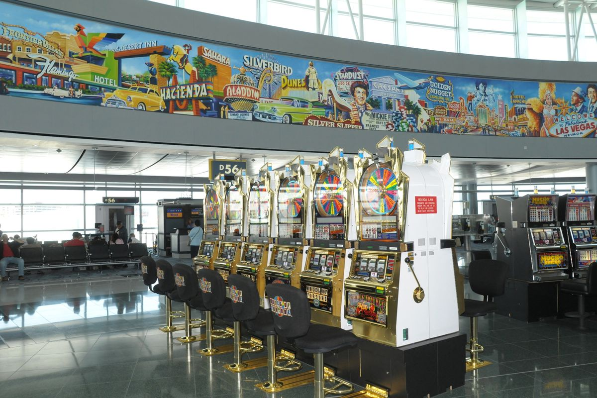 Nearly 1,300 slot machines line the terminals at McCarran International Airport in Las Vegas. Some could soon show up in Chicago's airports.