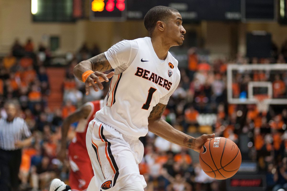 Gary Payton II and the Beavers will try to take their show on the road at Stanford tonight.