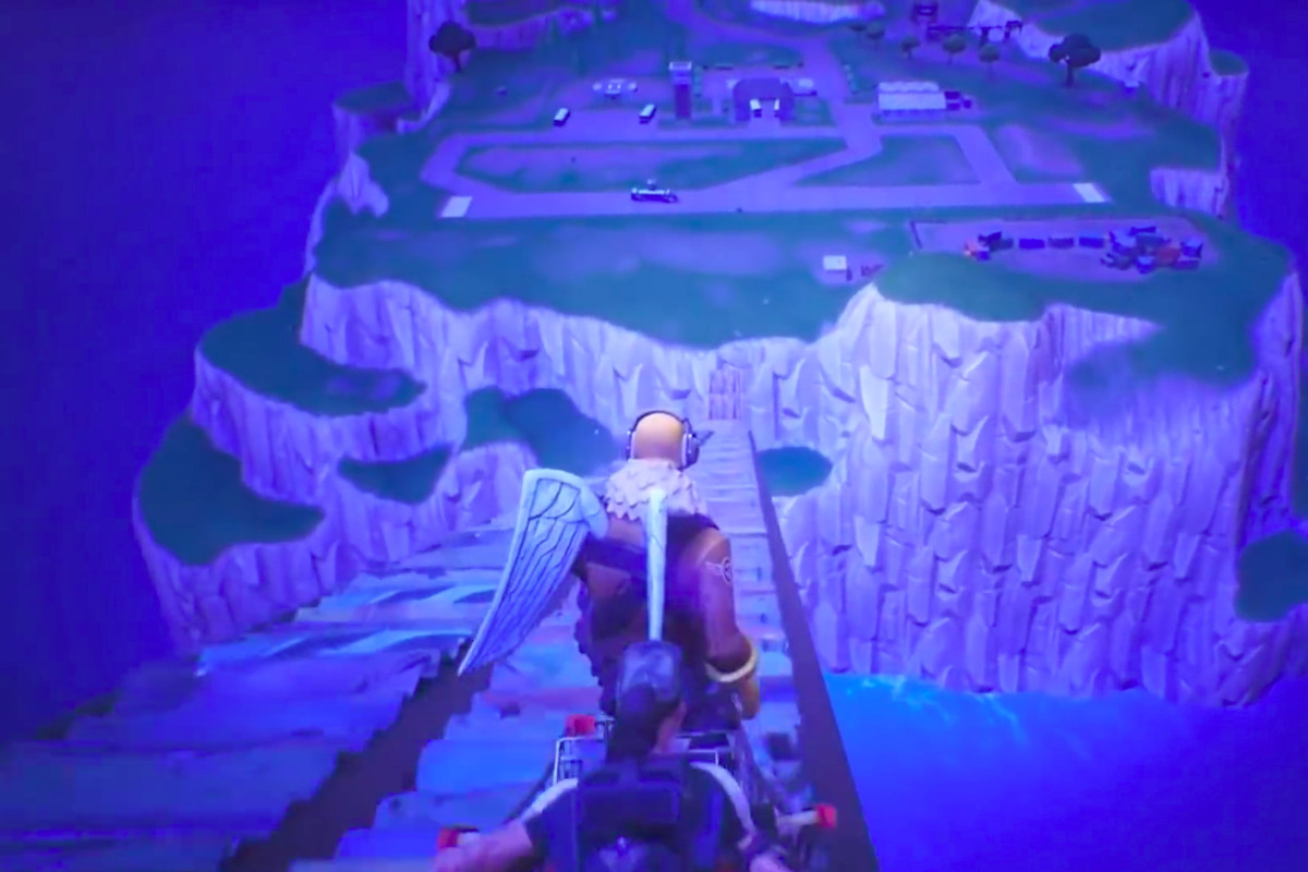 Fortnite Player Uses Shopping Cart To Reach Mythical Spawn