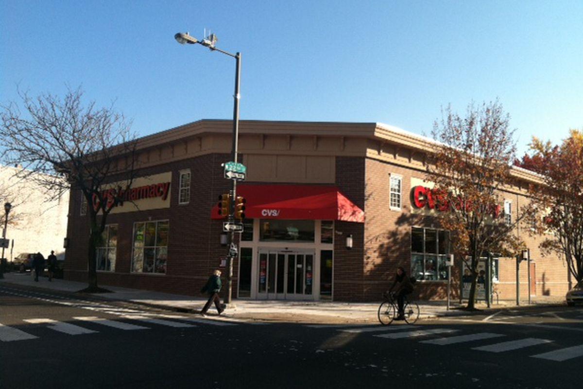 "South Street's new CVS. Image via <a href=""http://blog.philadelphiarealestate.com/cvs-now-open-at-22nd-and-south/"">Philadelphia Real Estate Blog</a>."