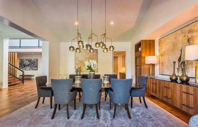 Dining room Kris Jenner