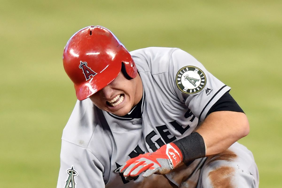 Angles' Trout out indefinitely with thumb injury