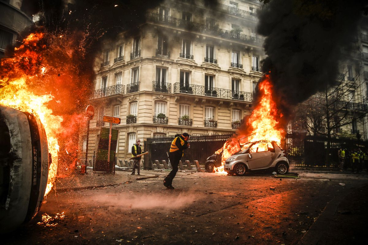 France's anti-Macron riots in 17 pictures - Vox